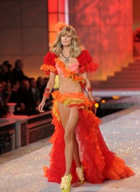 Victoria Secret Fashion Show, 2011
